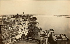 Benares (Varanasi) - The River & Bridge of Boats, from the Arungzebe Mosque, India. 1866.jpg