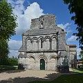 Berneuil 16 Église façade 2014.jpg