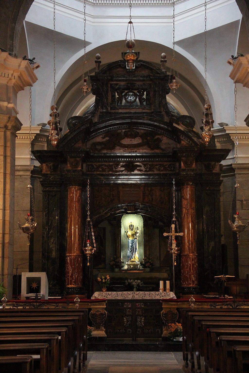 Biella, Santuario di Oropa - Basilica Antica 04