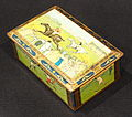 Biscuit tin with pictures of old sports, ca 1930, pic2.JPG