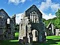 Bishops Palace Lamphey (37017467102).jpg