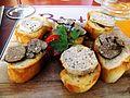 Bistrot Sidoine Truffes blanches d'été et beurre de truffe sur canapé.jpg