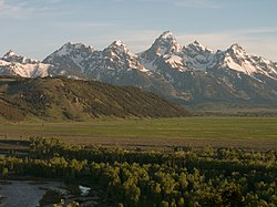 Blacktail Butte and Teton Mountains, Wyoming - panoramio.jpg