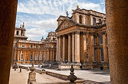 Blenheim palace, Oxfordshire (18837402319).jpg
