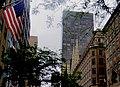 Blick auf die 5th Avenue mit den beiden Türmen von St. Patrick. - panoramio.jpg