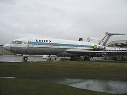 Boeing 727-22, United Airlines AN0224285.jpg