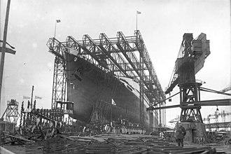"""Deutsche Schiff- und Maschinenbau - Image: Bundesarchiv Bild 102 06403, Bremen, Stapellauf des Dampfers """"Bremen"""""""