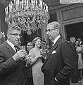 Burgemeester Thomassen bracht bezoek aan collega Burgemeester Van Hall te Amster, Bestanddeelnr 919-2957.jpg