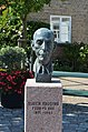 Bust of Ruben Rausing 2012-07-24 (01).jpg