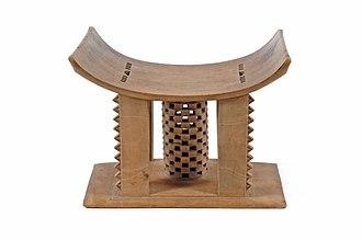 Ashanti people - Image: COLLECTIE TROPENMUSEUM Zetel van een hoofd met ceremoniele en rituele betekenis T Mnr 2526 1