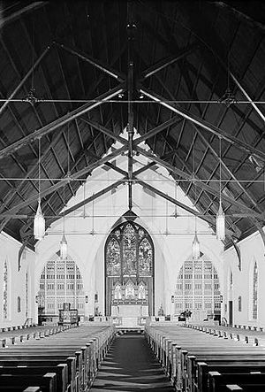 Calvary Episcopal Church (Memphis, Tennessee) - Calvary Church interior, 1974.