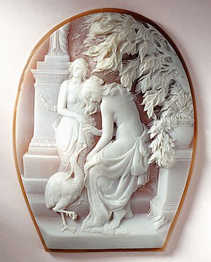 Cassis madagascariensis - Cameo by Ascione manufacture, 1925, Naples, Coral and Cameo Jewellery Museum.