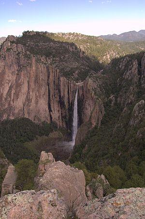 Basaseachic Falls National Park - Image: Cascada Basaseachi