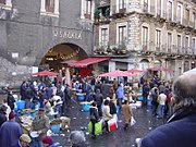http://de.wikipedia.org/w/index.php?title=Datei:Catania_-_La_pescheria_2_-_Foto_di_Giovanni_Dall'Orto.JPG&filetimestamp=20060217210445