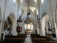 Choisy-au-Bac (60), église de la Sainte-Trinité, nef, vue vers l'est 1.JPG