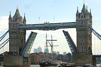 Cmglee Tower Bridge tall ship.jpg