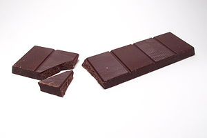 Baking chocolate - Image: Cooking chocolate, broken bar