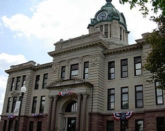 Martin County, Minnesota - Image: Courthouse Martin County Minnesota 2007May
