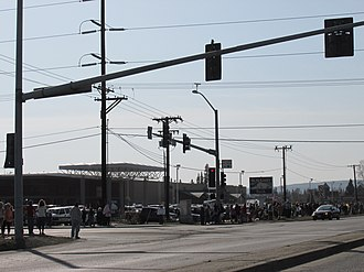 Alaska State Troopers - Image: Crowds gathered for Alaska State Trooper funeral procession, Airport Way, Fairbanks, Alaska
