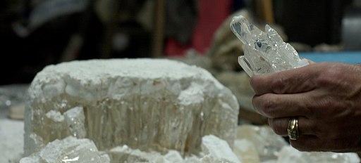 Cubic zirconia crystal