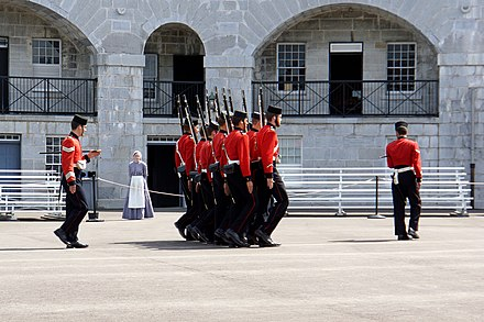 Fort Henry Guard practice drill, Fort Henry DSC00382 - Practice Drills (7614861976).jpg