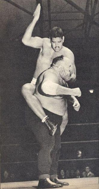 Emile Czaja - Dara Singh mounted punches to King Kong at JWA 1955