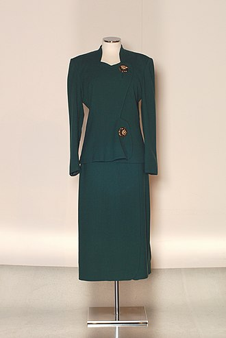 Elsa Schiaparelli - 1948 Schiaparelli suit with large ornamental buttons. PFF Collection.