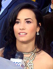 Demi Lovato (Cropped).jpg