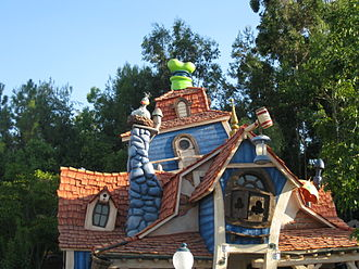 Goofy - Goofy's house at Disneyland