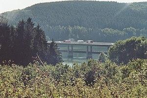 Finnentrop–Freudenberg railway - Eine der beiden Doppelstockbrücken über den Biggesee