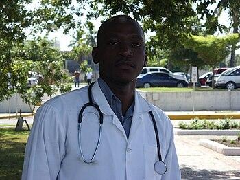 Dr.Jude Accou Plaza de la Salud RDSN850412