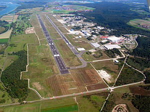 Karlsruhe/Baden-Baden Airport - Image: EDSB airfield 090912
