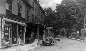 File:East Market Street, Red Hook, New York cph.3b47094.jpg