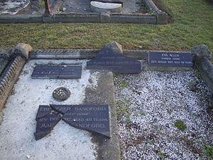 Ebenezer Sandford - Grave of Ebenezer Sandford and family at Linwood Cemetery