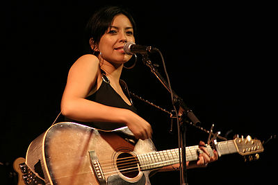 Picture of a band or musician: Emm Gryner
