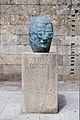 Escultura a Celso Emilio Ferreiro. Celanova.jpg