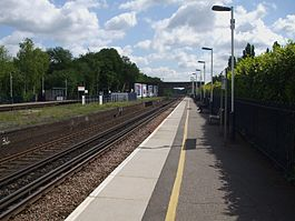 Esher station westbound look east2.JPG