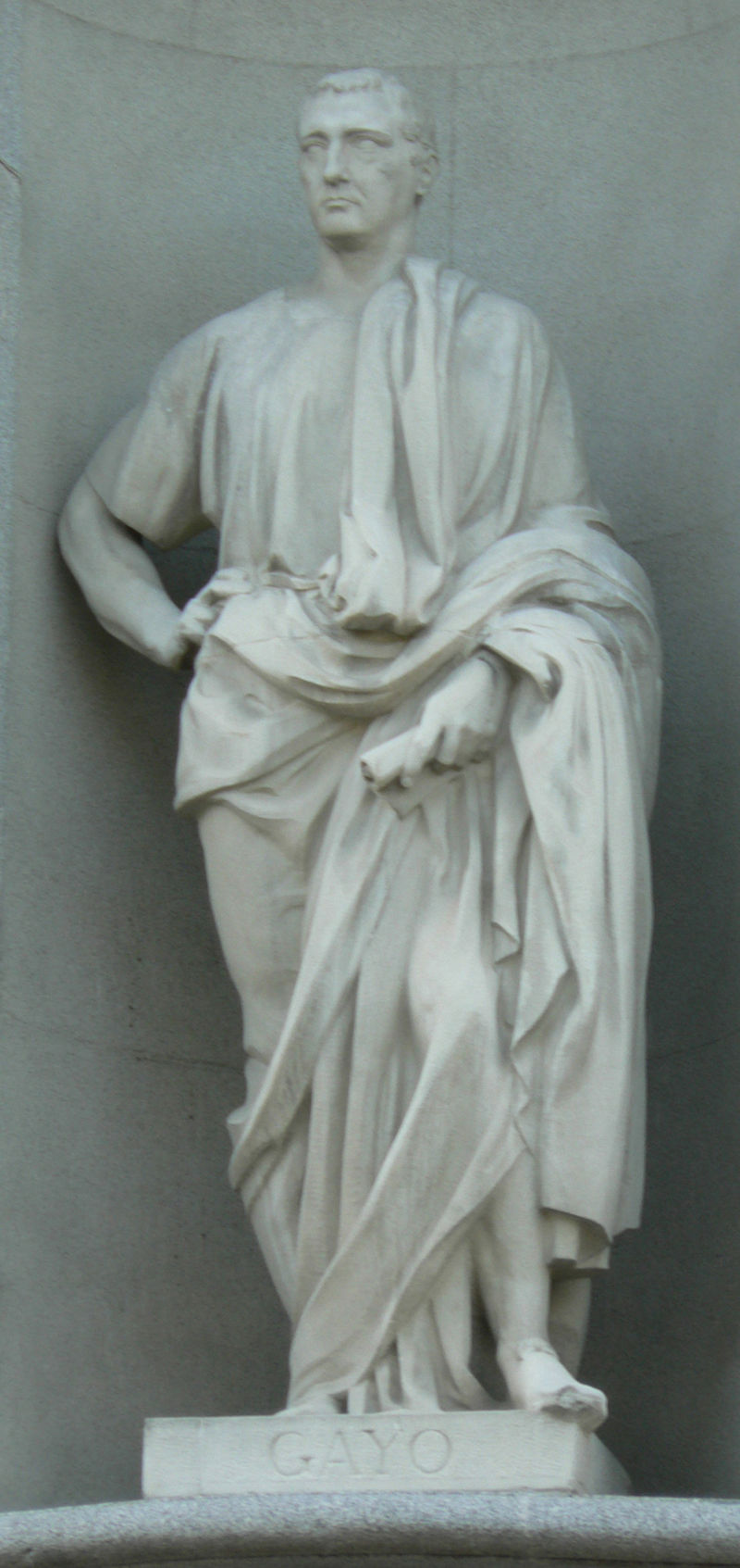 Estatua de Gayo-Tribunal Supremo (Madrid).jpg
