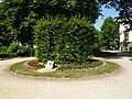 Etterbeek - Square Frère-Orban - Enclos des 13 Colonels - 01.JPG
