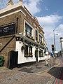 Express Tavern, Kew Bridge - geograph.org.uk - 1972698.jpg