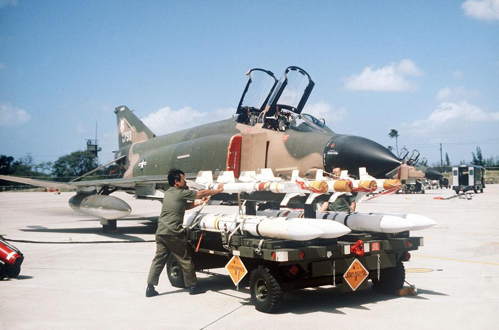 F-4Cに装備されたサイドワインダーとスパロー
