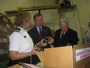 Regulation of food and dietary supplements by the U.S. Food and Drug Administration - An FDA Inspector gives an overview of the seafood inspection process to HHS Secretary Mike Leavitt and FDA Commissioner Andrew von Eschenbach at a Baltimore, Maryland processing facility owned by Phillips Foods, Inc. and Seafood Restaurants.