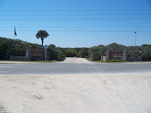 Gamble Rogers Memorial State Recreation Area at Flagler Beach - Image: FL Gamble Rogers SRA west side entr 01