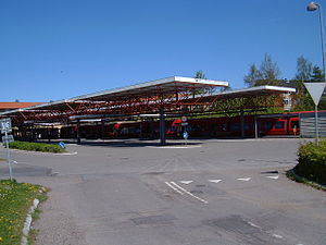 Farum station - Train and bus platforms side by side