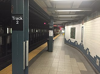 Flatbush Avenue–Brooklyn College (IRT Nostrand Avenue Line) - Looking down the platform
