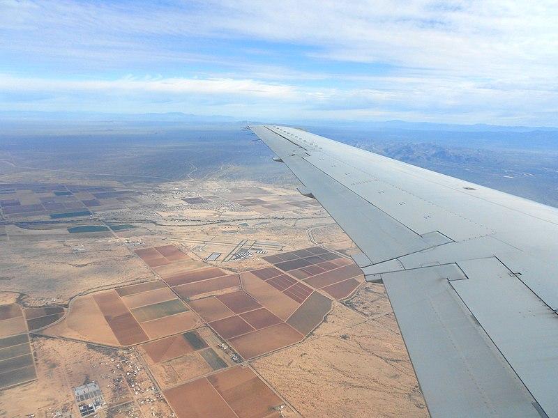 File:Flying over Tucson (6989356251).jpg
