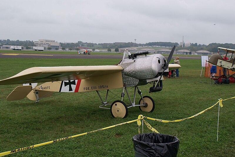 File:Fokker EIII Ernst Udet RSideFront Dawn Patrol NMUSAF 26Sept09 (14413491417).jpg