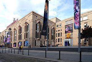 Friedrichstadt-Palast - The theatre in 2011