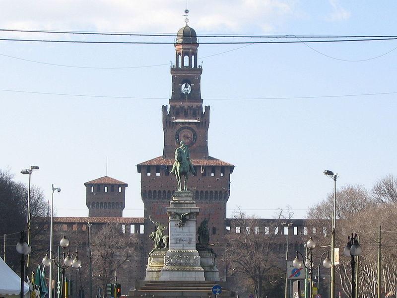 File:Frontal del castillo de sforzesco, Milán.JPG