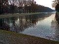 Frozen lake at Karlsaue Kassel.jpg